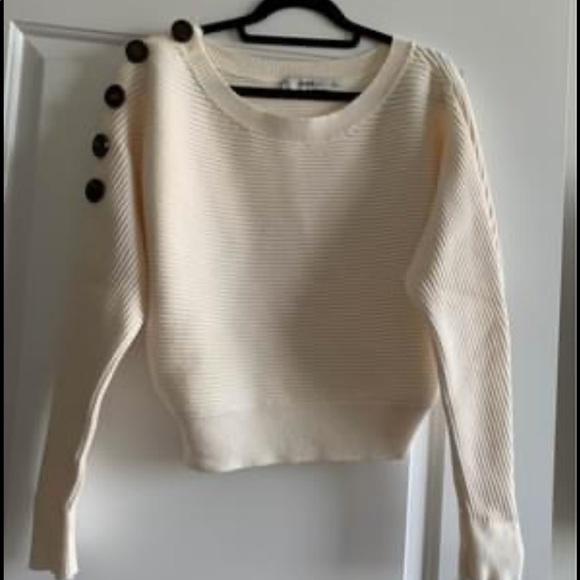 Zara cream colour sweater. Size medium.